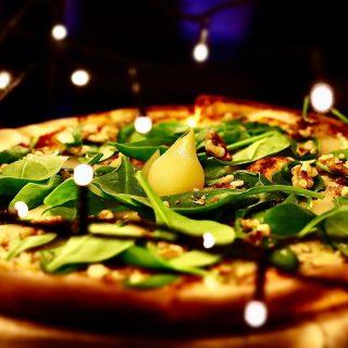 #pizza dnia ! #gruszka #szpinak #gorgonzola #orzechy 👌🏻 #wemlynie #pizzadnia #pizzaporn #pizzalover #pizzalovers #pizzaoftheday #foodporn #foodphotography #instagood #instafood